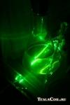 Луч зелёного лазера в воде