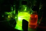 Луч зелёного лазера в уранине