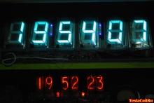 Часы на лампах ИН-18